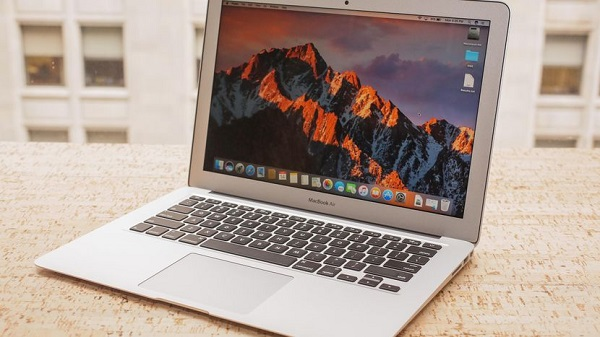 MacBook Air, iPhone, Dell Notebook And More Giveaway