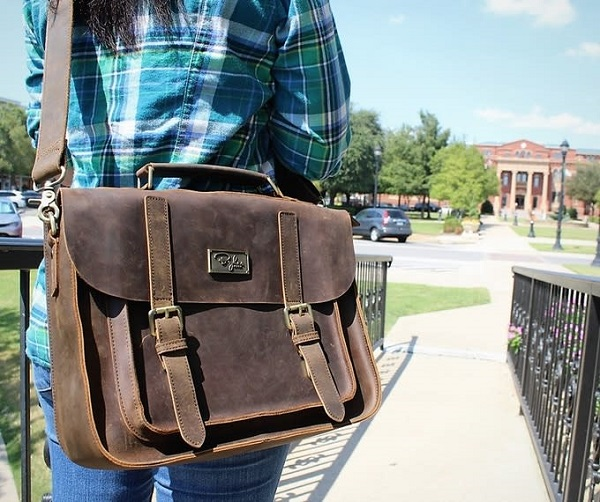 Mustang Brown Messenger Bag And 2 Wallets Giveaway