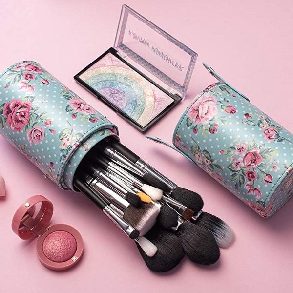 Free Bella and Bear's Kitten Makeup Brush Set