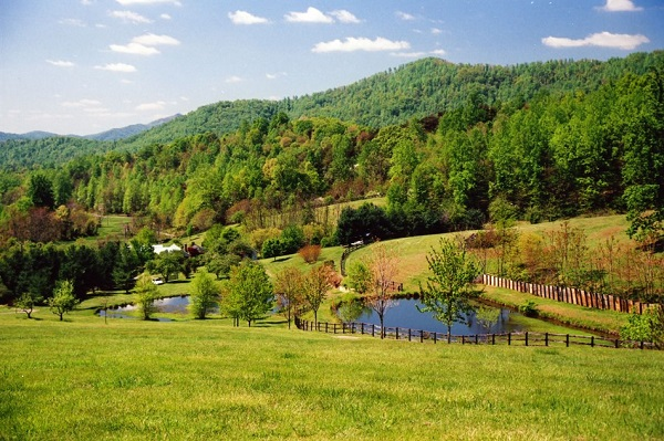 Getaway for 2 to Nelson County, Virginia Sweepstakes