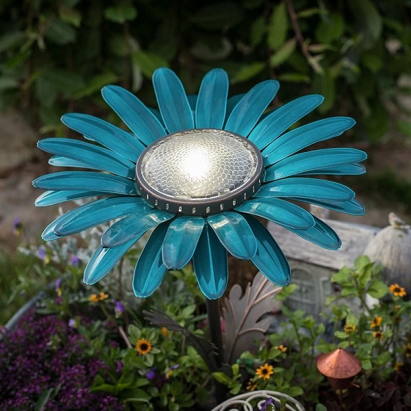 Daisy Solar Lights Giveaway
